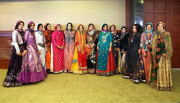 Qashqai clothes